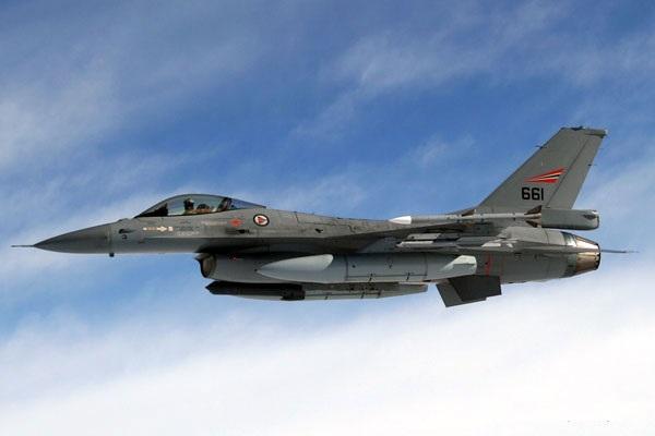 F16 فالکون