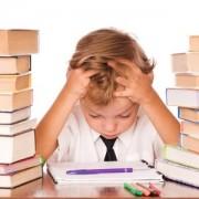 راهنمای والدین برای کمک به کودکان در انجام دادن تکالیف مدرسه