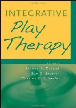 کتاب لاتین بازی درمانی یکپارچه (2011)